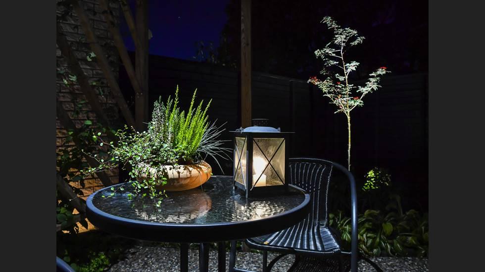 Skapa stämning med ljus utomhus